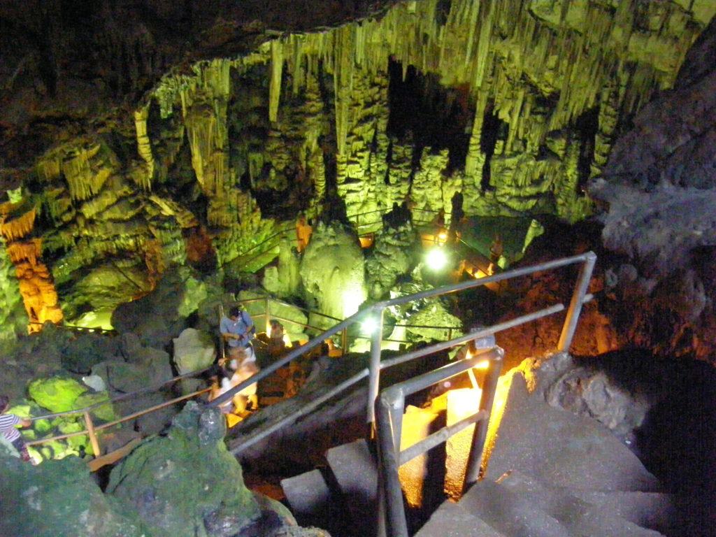 Jaskinia Dikteon