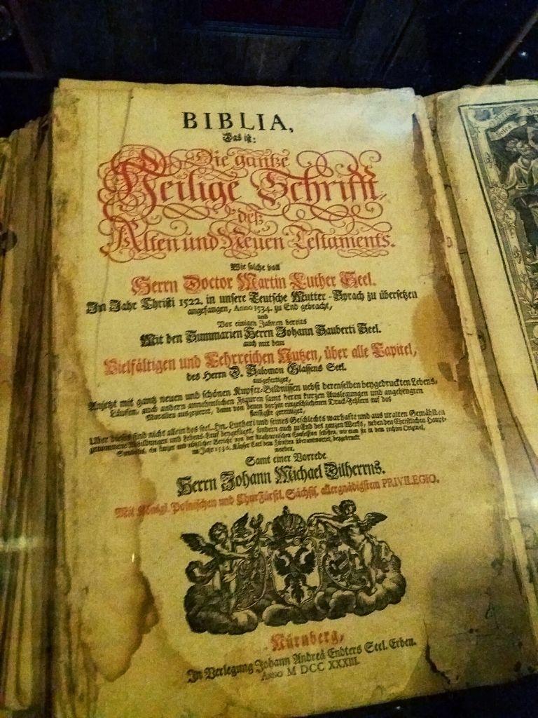Biblia z 1730 roku
