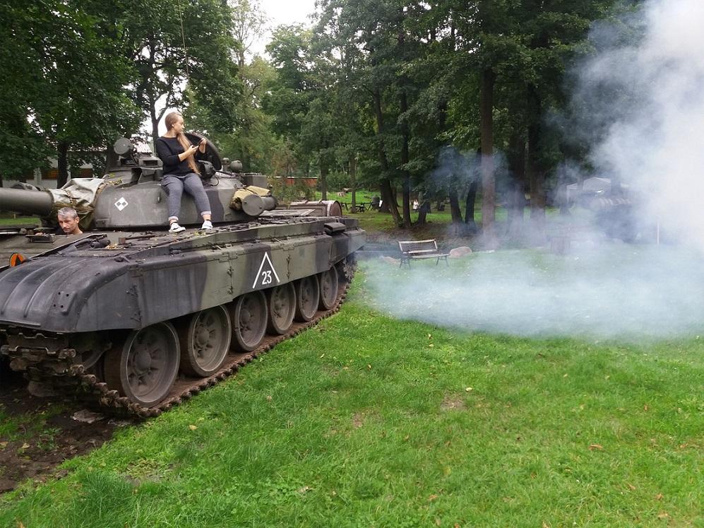 Jazda czołgiem T-72 polskiej produkcji