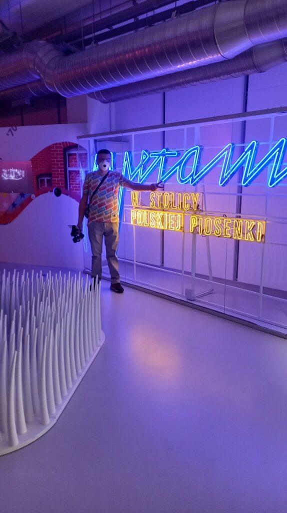 Neon Witamy w stolicy Polskiej Piosenki
