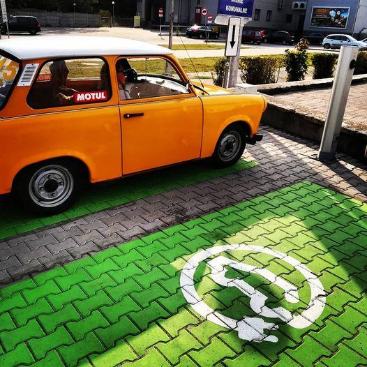 Sława - miejsce parkingowe dla elektryków z ładowarką